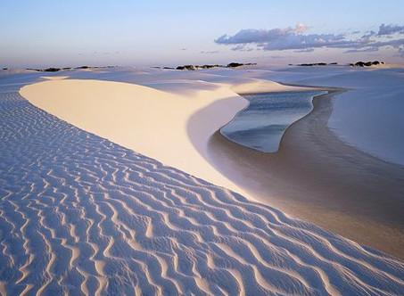 Lençóis Maranhenses, o deserto azul e branco do Brasil