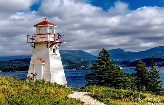 woody-point-lighthouse.jpg