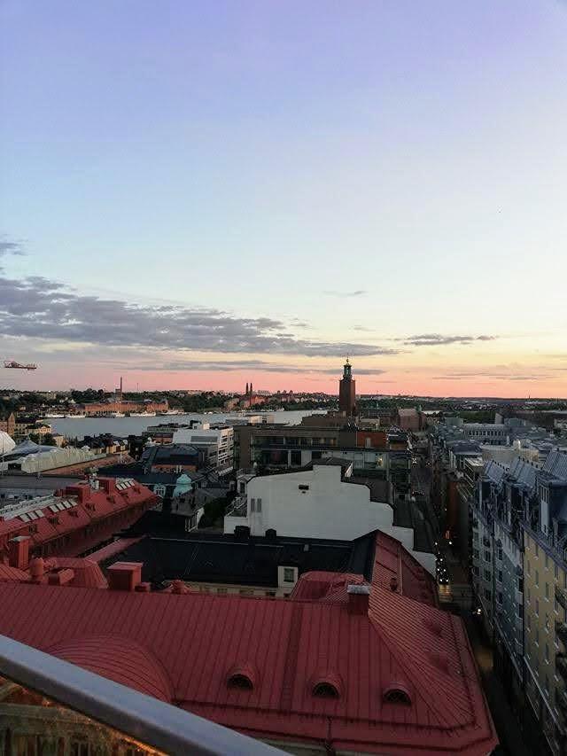 Il tramonto sui tetti di Stoccolma