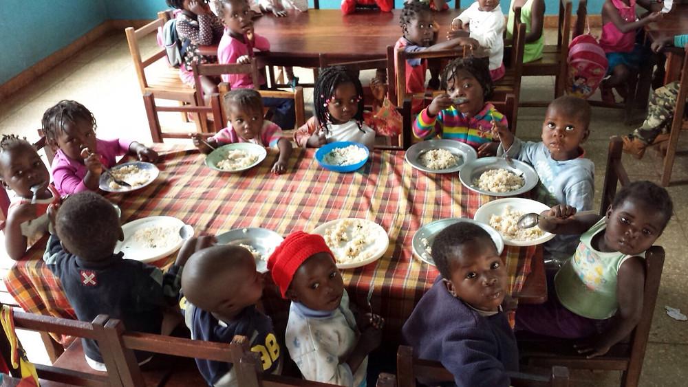 comedor del colegio Boane de Casa do Gaiato