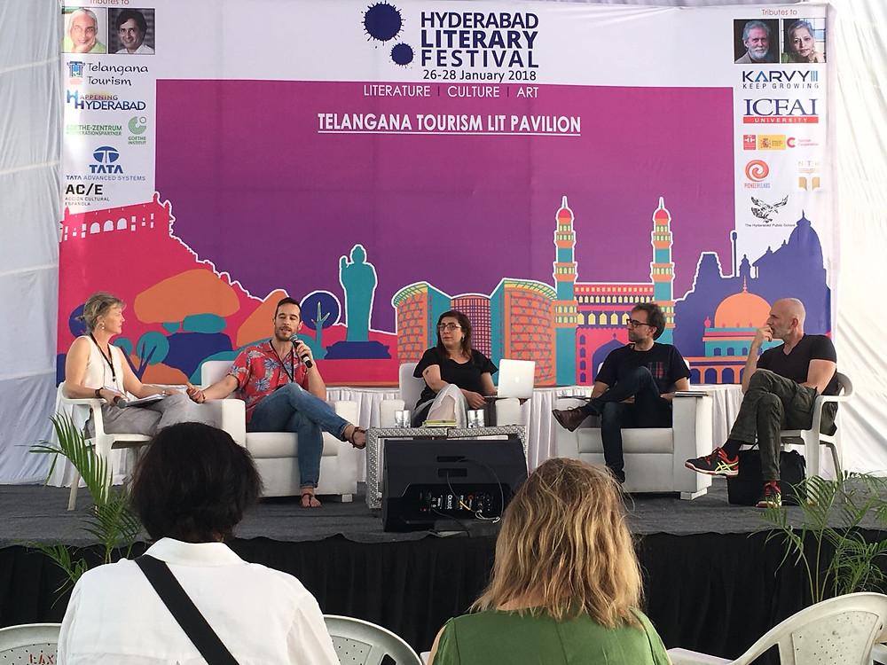 (de izquierda a derecha) Cristina Sánchez Andrade, Marcos Guardiola, yo, Harkaitz Cano y Alejandro Palomas.