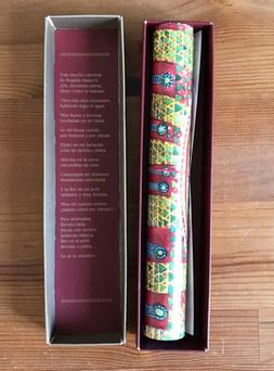 caja abierta y poema