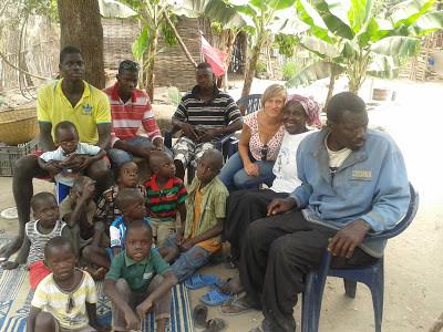 familia de Bakary en Boucout.jpg
