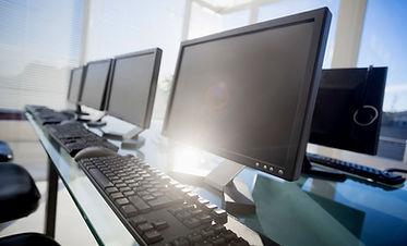manage-risks-display-screen-equipment_27