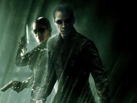 Keanu Reeves com novo visual para The Matrix 4