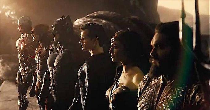 Liga da Justiça de Zack Snyder ganha um novo trailer