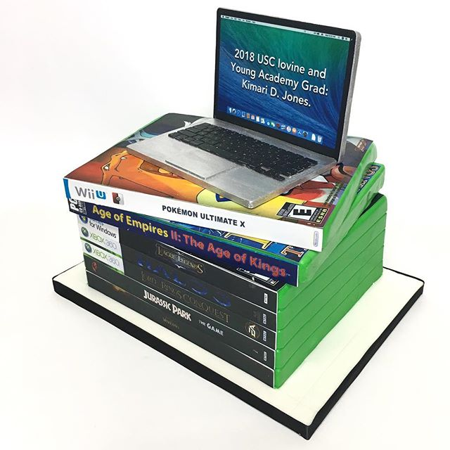 Xbox games and laptop cake