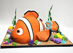 Nemo 3D sculpted cake