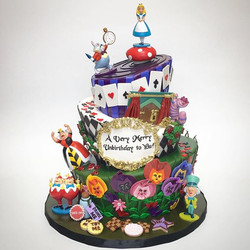 Alice in Cake Wonderland!