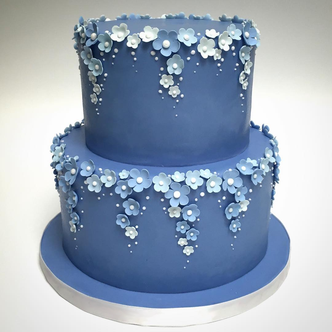 Mini Blue Sugar Flower Cake