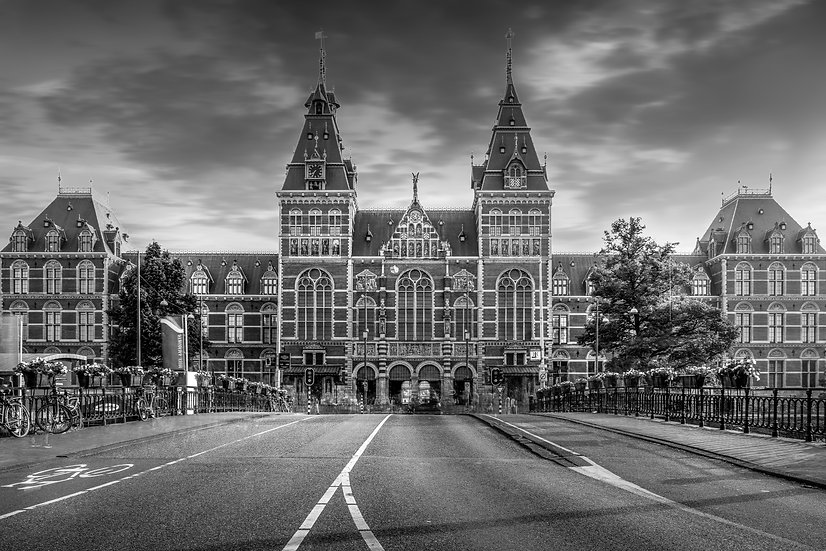 The Rijksmuseum - Front Facade, Amsterdam- Black and White photo by Kaan Sensoy