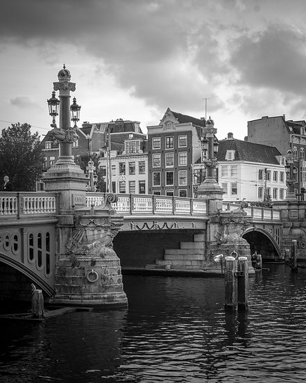 Blauwbrug , Amsterdam - Black and White photo by Kaan Sensoy