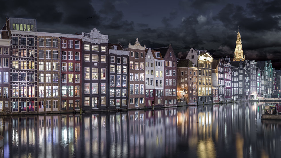 Midnight in Amsterdam - color photo by Kaan Sensoy