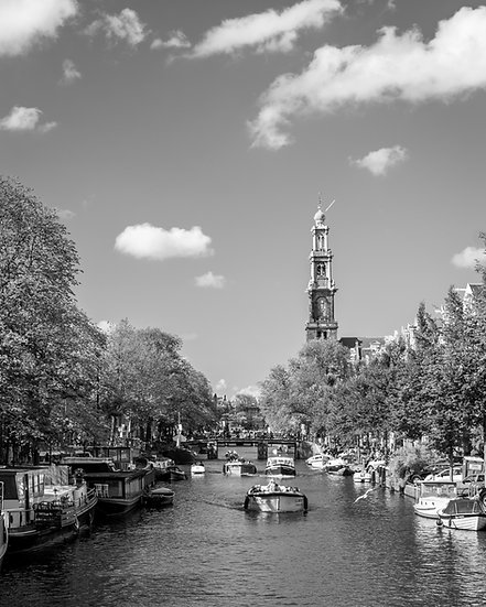 A summer day in Amsterdam canals-BW