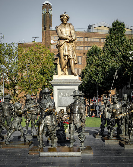 Rembrandt Monument, Amsterdam -color photo by Kaan Sensoy