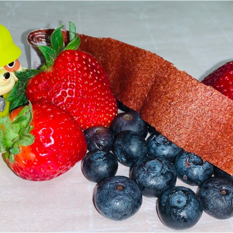 Healthy Snack Alternatives: fruit rollups, fruit nachos and smoothie bowl