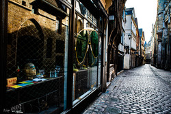 Rue Saint Romain et reflets