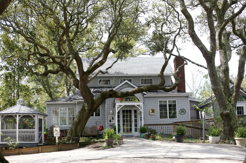 Located in a quaint Victorian house nestled amid the live oaks!