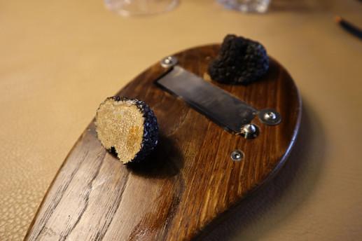 Truffes noires fraiches d'Italie.jpg