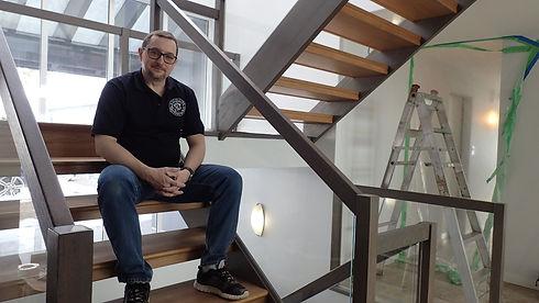 Jeff_On_Stairs.jpg