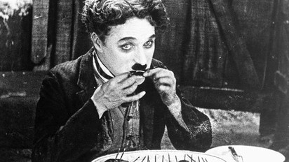 Gözlerimizin İçini Güldüren Bir Kahraman: Charlie Chaplin