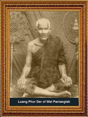 Luang Phor Dar of Wat Paniangtak.jpg