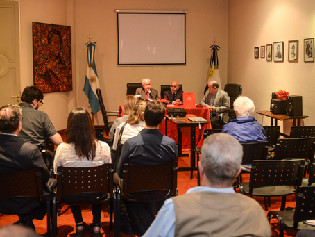 Presentación del libro en el INSTITUTO NACIONAL DE INVESTIGACIONES HISTÓRICAS JUAN MANUEL DE ROSAS