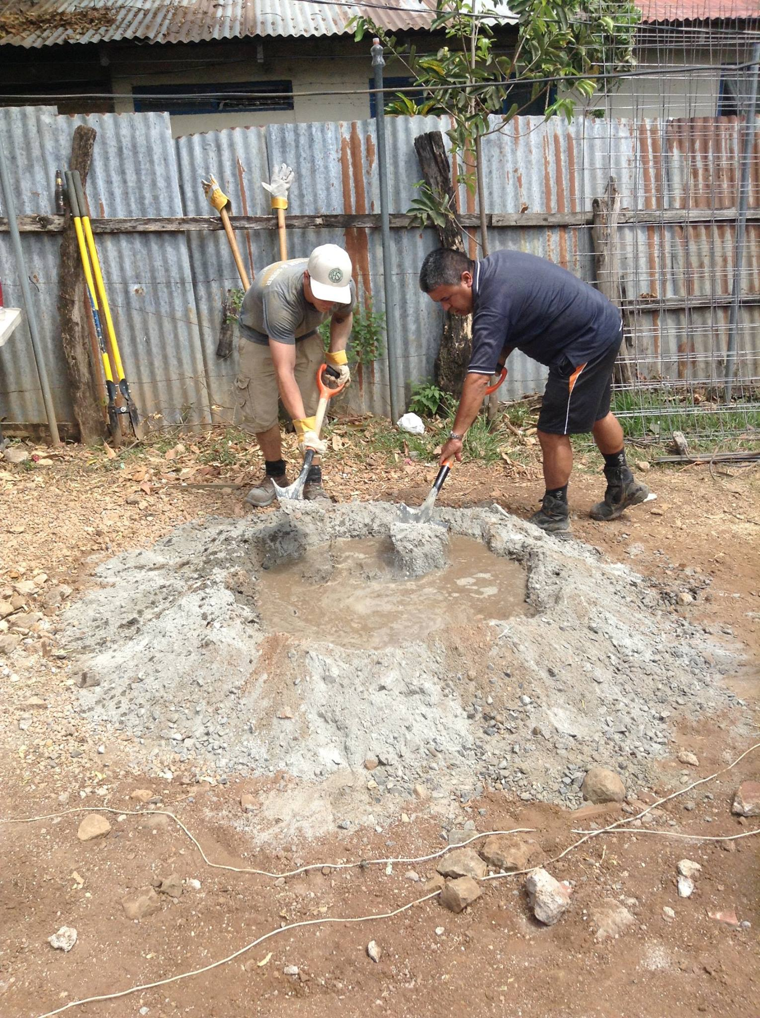 Mixing Concrete Costa Rican-Style