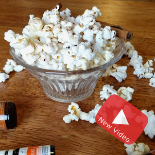 Is it your favorite snack too? |How-to Fall Flavored Popcorn