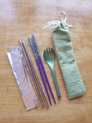 Convenient Zero-Waste Eating-Out Kit