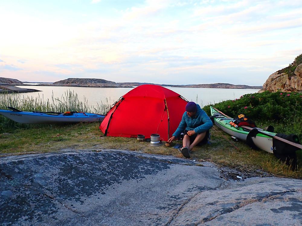 Vedholmen en sommarkväll i Bohuslän, Sverige