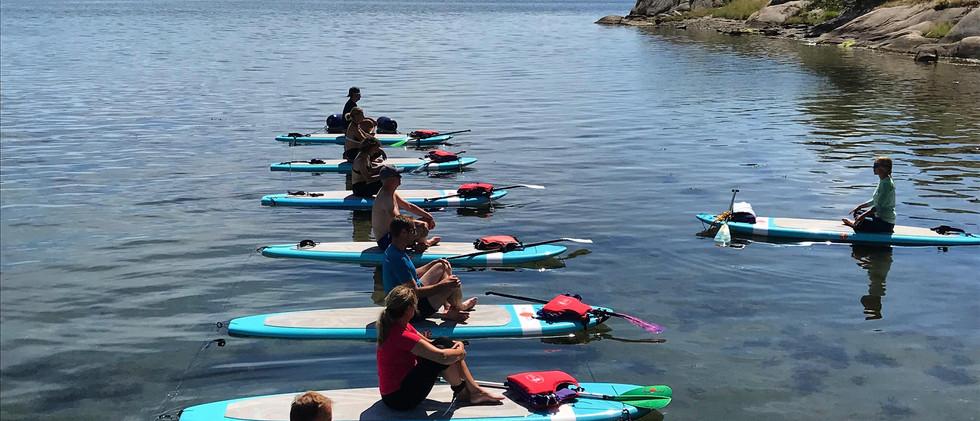 SUP yoga i Grebbestad
