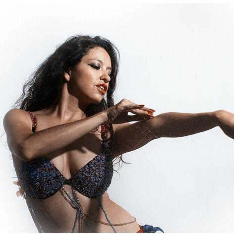 Aleida Savi. Danza Árabe y Danzas Polinesias.