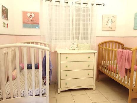 חדר תאומות, בחדר זה הקפדתי לציין את הפן