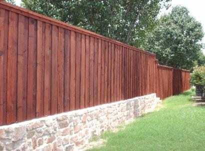 retaining-wall-with-fence