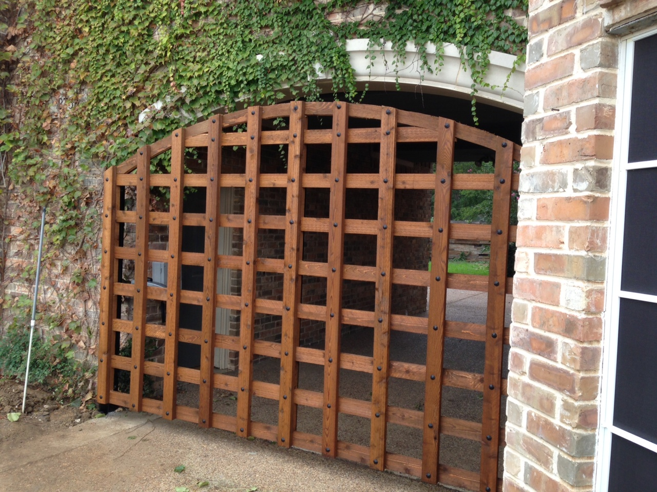 CUSTOM SWING GATE