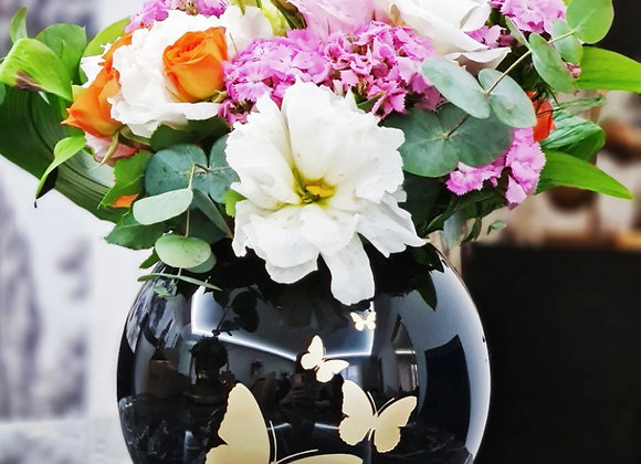 El işlemesi Kelebekli Siyah Vazo