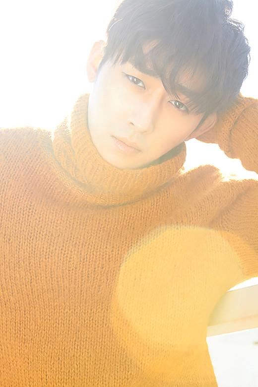 VogueGirl Magazine - Son Ho Jun