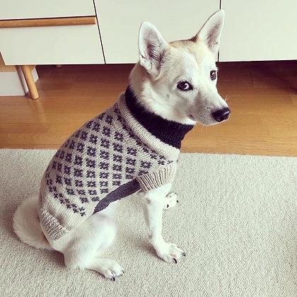 豆コのセーター(黒×グレージュ)