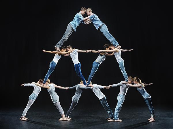смелость, доверие, люди, группа, пирамида, искусство быть вместе,