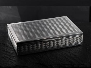 Checkerred Design Box