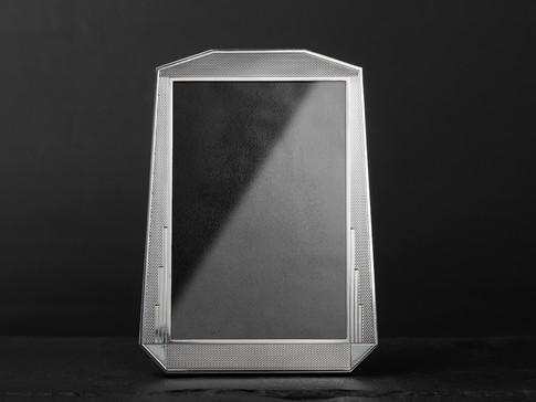 Vertical Cut Corner Frame