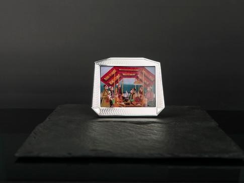 Horizontal Cut Corner Frame
