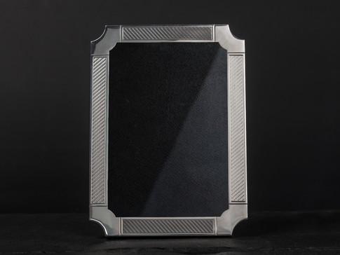 Under Round Cut Corner Frame