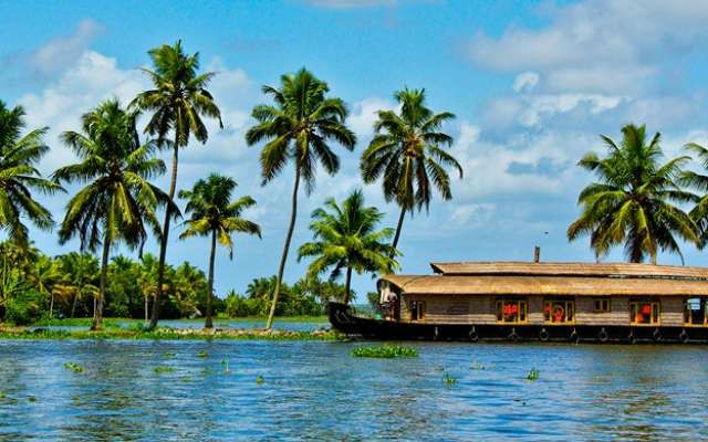 Kerala Tour 8 Nights 9 Days
