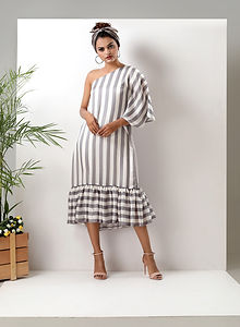 Striped kaftan dress 3.jpg