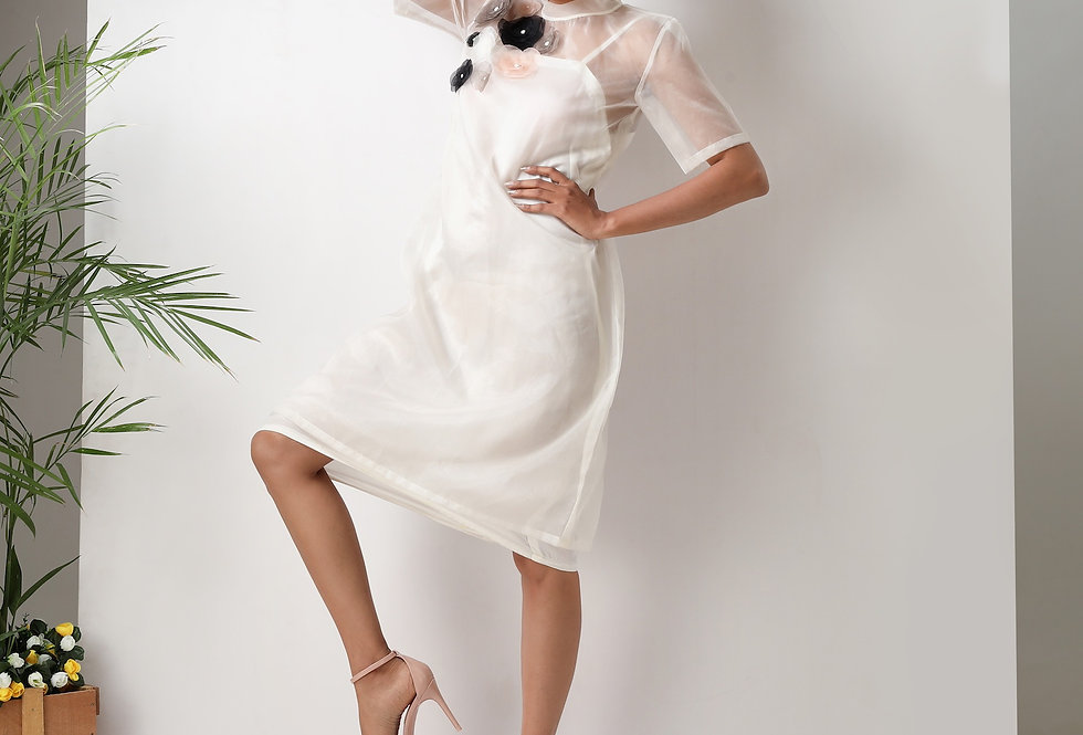 OFF WHITE DRESS WITH ORGANZA FLOWERS