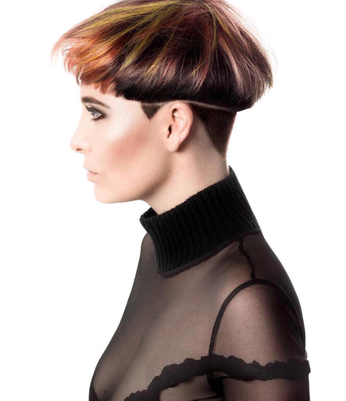 Categorie DAMES  Hair : Danique Frijhling Photo : Johnny ten Have Make Up : Sophie Vermeulen