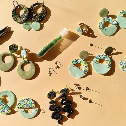 Bijoux en pate polymère - collection mousson tropicale
