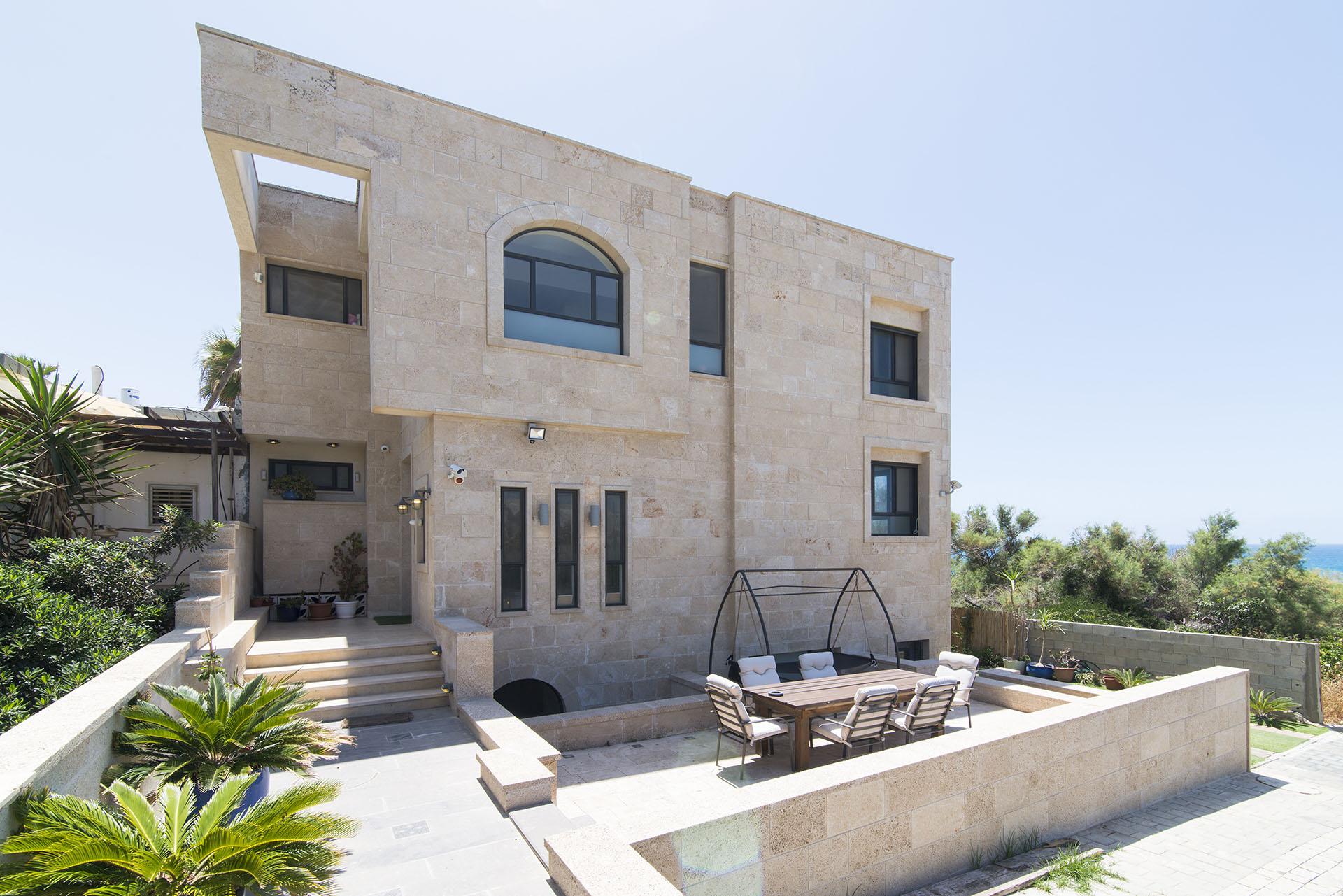 Yotvat Villa